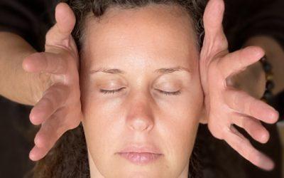 Massage de la tête: quatorze raisons de l'adopter